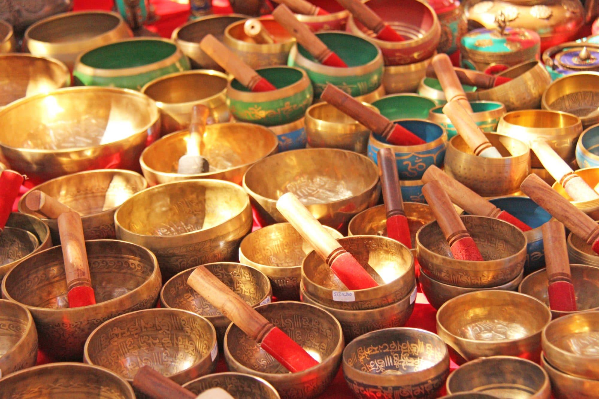 Sound Healing with 33 Tibetan Bowls
